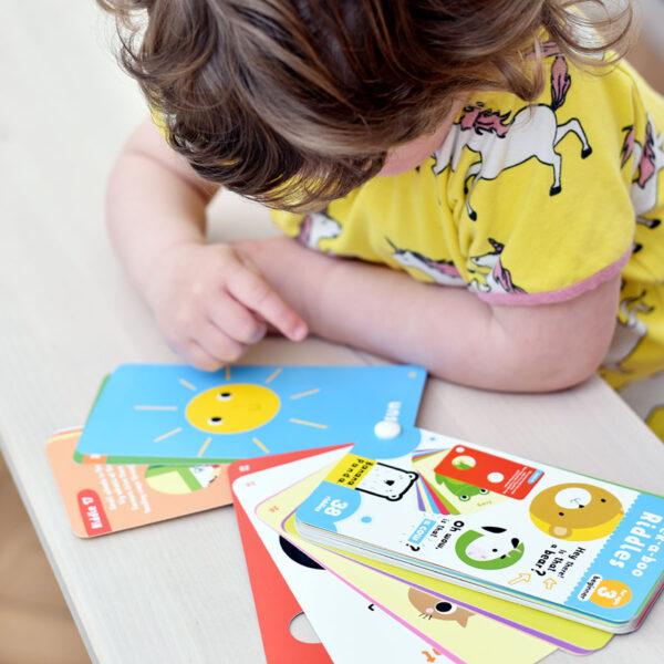 Travel riddles for kids 3+ - Peek-a-boo Riddles 3 beginner