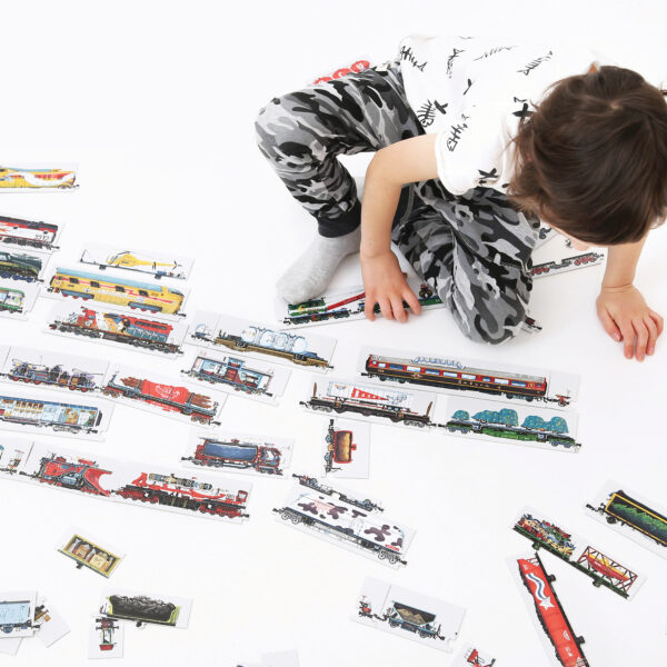 Train collector's puzzle with poster - Mix and Match Trains
